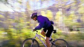 Cycling-mountain-biker